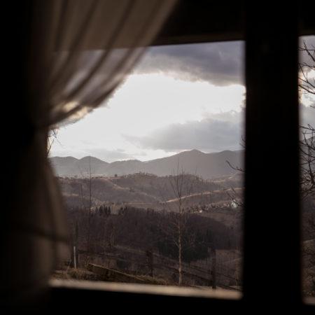 Izolarea în vârful muntelui // sat Măgura, Brașov